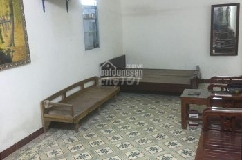 Cho thuê nhà riêng 40m2 phố quỳnh mai giá 5tr/tháng LH:0352214494