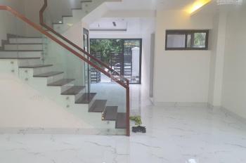 Cho thuê biệt thự Linh Đàm làm văn phòng , trung tâm .....  DT: 132 m * 4 tầng . MT: 8 M . 35 triệu