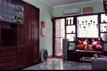 Chính chủ cần cho thuê căn hộ đầu hồi 2PN, 1PK, 1 bếp, 1WC ngay phố chùa bộc, liên hệ 0338566354