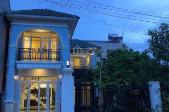 Bán villa 4 phòng mới xây full nội thất gần sông Cổ Cò