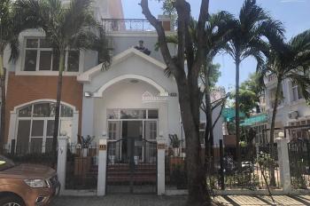 Cần bán biệt thự tứ lập Phú Mỹ Hưng, cam kết rẻ nhất thị trường. Liên hệ 0932773674 Đại