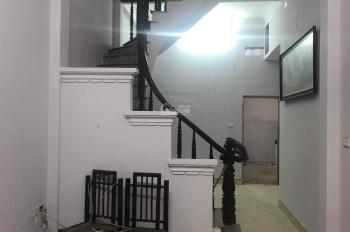 Cho thuê nhà riêng gần chợ Ngọc Thụy, Long Biên