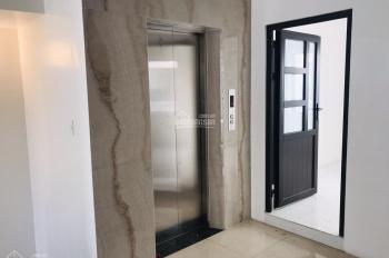 kẹt tiền bán gấp căn shophous 5x20m nhà hoàn thiện cơ bản có thang máy giá 14 tỷ. LH: 0917330220