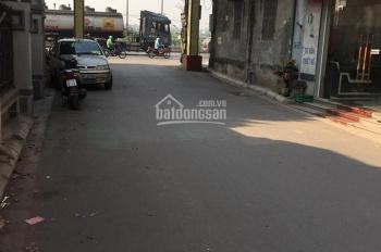 Bán nhà tổ dân phố Bình Minh, hai mặt tiền đường 5m ô tô vào nhà, LH: 0988611869