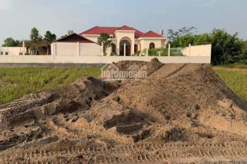kẹt tiền bán gấp đất mặt tiền 15x39m ( ODT )