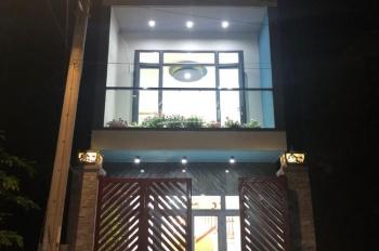Bán nhà 1 trệt 2 lầu , 90m2 gần Chợ Linh Xuân, Sổ riêng chính chủ , đường nhựa 3M - 2.1 tỷ