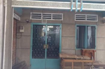 Bán gấp nhà cấp 4 mặt tiền đường Hoàng Hữu Nam, Q9