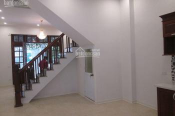 Cho thuê nhà ngõ 97 Văn Cao, Phường Liễu Giai, Quận Ba Đình, DT 60m2 x 5 tầng, giá 20 tr/tháng