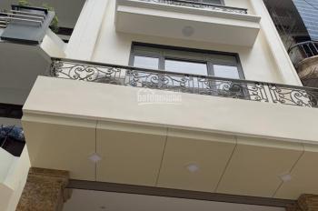 Cho thuê nhà MP Nguyễn Tuân, dt 80m2 * 6 nổi + 1 hầm, mt 5,5m, thang máy, thông sàn. Giá 80tr.