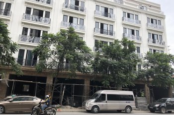 Bán lô góc nhà mặt phố Nguyễn Trãi - Nguyễn Xiển diện tích 100 m2 giá 17 tỷ. LH 0932250379