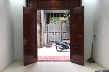 Bán nhà mới xây phố Lãng Yên, HBT, Hà Nội, DT 35m2x5T, cách phố 20m giá 3,4 tỷ