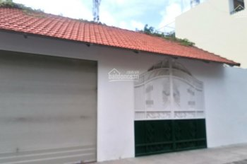 Bán nhà 2 mặt tiền Lê Văn Việt, P. Long Thành Mỹ, Q9, DT: 10x30m, C4, giá 140 triệu, LH 0931200685