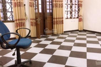 Nhà riêng ngõ 88 Khâm Thiên dịch tích 91m2x3 tầng, mặt tiền 5m giá thuê 13 triệu/th LH 0967913189