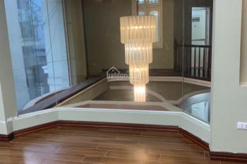 Cho thuê nhà Giang Văn Minh 100m2x4T, mt 13m có điều hoà, sàn gỗ, rèm. Giá 40tr/th làm VP lớp học