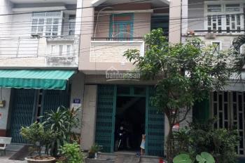 Cần tiền bán gấp căn nhà 1 trệt 2 lầu, diện tích 110,4m2, giá bán 3.3 tỷ đồng, sổ hồng riêng