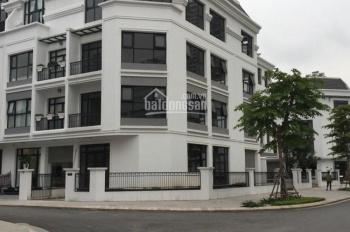 Cho thuê nhà mặt phố Lò Đúc, dt 118m2, mt 8,3m, xây 3 tầng, thông sàn, lh: 0965190000