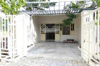 Bán căn nhà mặt tiền đường Bùi Công Trừng - xã Đông Thạnh - Hóc Môn, sổ riêng, giá: 1,2 tỷ