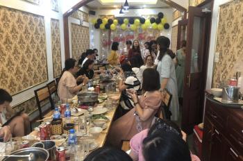 Cho thuê nhà mặt phố Hào Nam, DT 70m2x3t, MT 6.5m. Nhà thông sàn, riêng biệt. LH Bách 0974739378