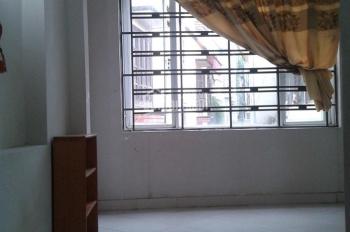 2 nhà 3,5 tầng đầy đủ tiện nghi ở ngay Nguyễn Khoái, giá 4 triệu/th và 1 nhà 5 tr/th