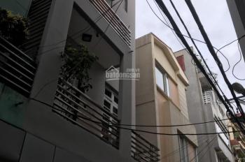 Bán nhà rẻ cực đẹp ô tô đỗ cửa phố Nguyễn Khánh Toàn 42m2 x 5 tầng giá 4.5 tỷ