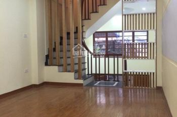 Bán gấp nhà Dt40m2 x 5 tầng,4PN  gần hồ Hạ Đình, Ngõ 460 Khương đình, quận Thanh xuân. Giá 3.4 tỷ.