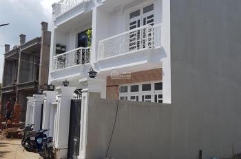 Bán nhà Quốc Lộ 50 giá 700 triệu, nhà mới vào ở ngay, 0942747788