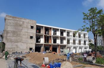Bán nhà Quốc Lộ 50 sổ riêng, giá 1.4 tỷ, nhà 2 lầu mới 100%. 0933323533