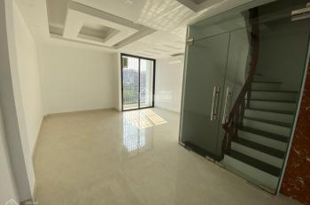 Cho thuê nhà riêng phố Trần Quang Diệu - Hoàng Cầu DT 75m2 x 4T, MT 5m, nhà mới, có thang máy