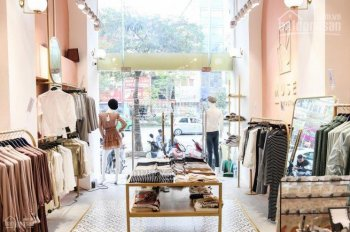 Sang nhượng cửa hàng thời trang mặt phố Bạch Mai SIÊU ĐẸP... Lh Long: 0378513333 ( BĐS Tùng Lâm )