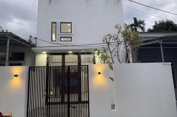 Nếu mua ở không thể bỏ qua căn nhà mới xây kiểu sân vườn hiện đại. Giá chỉ bằng lô đất Đà Nẵng