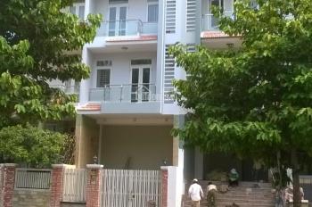 Cho thuê nhà 1 hầm 4 lầu, đường 35m Him Lam Tân Hưng Quận 7, có thang máy giá 60tr, call 0977771919