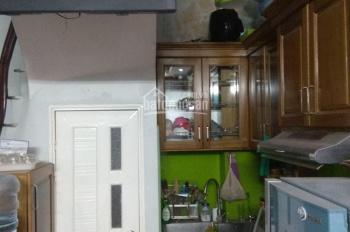 Tôi cần bán nhà mặt tiền rộng 4m Kim Mã Thượng - Đội Cấn: 30m2, 5 tầng, 3 ngủ, có sân. Giá 2.95