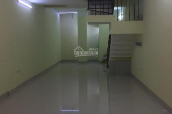 Cần cho thuê nhà ngõ  Phố Nguyễn Tuân, 50 m2 x 5 tầng, giá 26 triệu