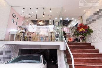 Cho thuê nhà mặt phố Bà Triệu, 100m2 x 3 tầng, MT 7m, thuê 150tr, LH 0944093323