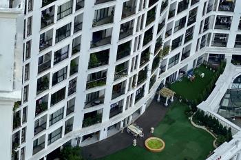 Bán penthouse 202m2 hướng ĐN, view quảng trường Royal City full đồ giá 10,5 tỷ. Call 0936166608