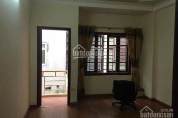 Cho thuê cả nhà mặt ngõ 151B Thái Hà, Diện tích 50m2 x 4 tầng, giá 14 tr/th