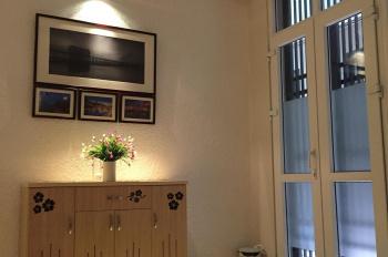 Chính chủ cần bán nhà 5 tầng tại ngõ 1 Bùi Xương Trạch, DT: 30m2, LH: 0589421944