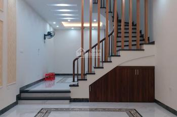 Bán nhà phố Yên Hòa, Hoa Bằng 42m2 x 5 tầng mới tinh, cách 20m ra phố giá 4,5 tỷ