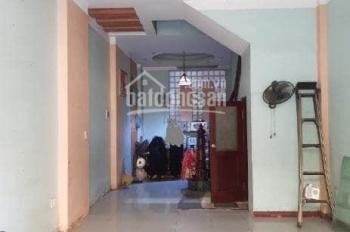 Cho thuê nhà phân lô ngõ 651 Minh Khai (ô tô đỗ cửa)