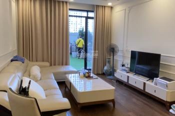 Bán căn hộ 2PN, 69m2, tòa R6 Royal City, view quảng trường, LH: 0936166608