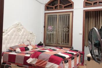Cho thuê nhà riêng ngõ 39 Hào nam đống Đa HN Cạnh Nhạc viện dt 48m2, 5 tầng,5 phòng ngủ,3wc 14tr/th