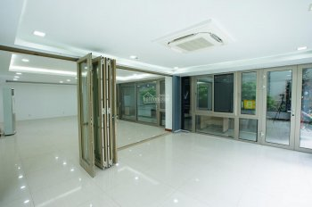 Cho thuê tầng trệt 90m2 làm văn phòng ở Cộng Hoà