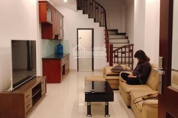 Bán nhà 35m2 xây 5 tầng tại p.Thạch Bàn,Quận Long Biên,giá chỉ 2,1 tỷ