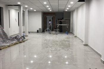 Cho thuê văn phòng HXH Hoàng Văn Thụ, 1000m2, 9 tầng, thang máy, bàn ghế tủ, giá 184.880 đ/m²/th