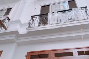 Bán nhà đẹp 2 mặt thoáng tổ 14 Thạch Bàn 32m2x5 tầng ngõ 2,3m giá 2,03 tỷ (cách chợ Đồng Dinh 250m)
