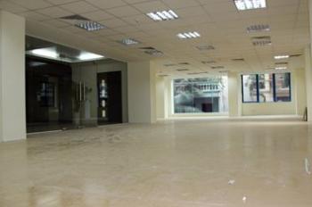 Cho thuê sàn văn phòng mặt phố Lạc Long Quân, diện tích 189m2, giá thuê 50 triệu/tháng