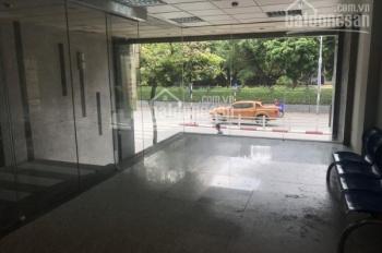 Cực hot mặt phố Đê La Thành 70m2 x 5.5 tầng, mặt tiền 6m, giá 68 triệu/tháng, thang máy 0988226793