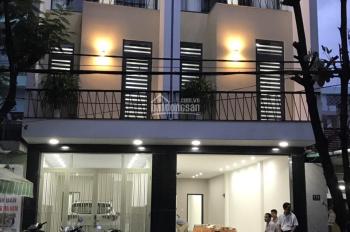 Cần bán nhà đẹp MT 3 tầng lô đôi đường 10m5 Huỳnh Ngọc Huệ