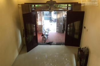 Cho thuê nhà 3 tầng,  đường đông khê,Giá 10 tr/th.LH: 0704197668