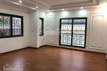 Bán nhà chính chủ ngõ phố Bạch Mai Dt 32m2x5t, căn góc, xây độc lập 1 căn giá 3.2 tỷ